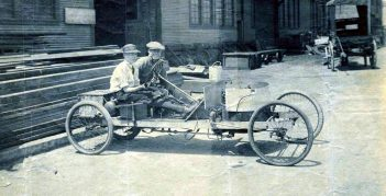 User-producers with early version of their 'cars'. Source: www.damninteresting.com/the-last-great-steam-car/